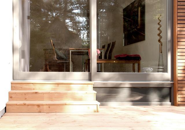 Treppenkonstruktion zur Verbindung von Innen- und Außenraum.