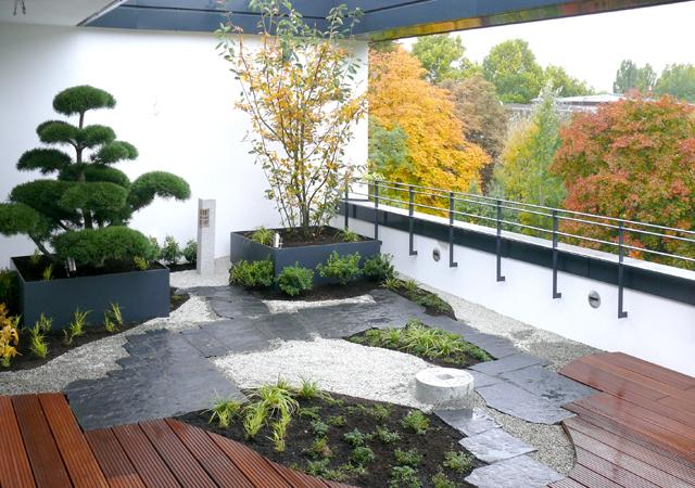 Bau eines Dachgartens: 4. Der fertige Dachgarten mit japanischen Gestaltungselementen.
